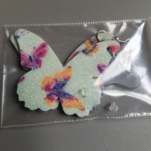NWOT White Sparkly Butterfly Faux Leather Earrings